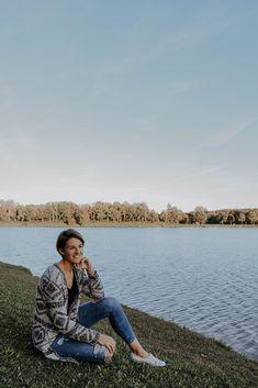 Ein Portrait Shooting am Badesee in Feldkirchen an der Donau. Ein wunderschöner Herbsttag. Kirchen, Button Down Shirt, Men Casual, Portrait, Mens Tops, Shirts, Fashion, Nice Asses, Moda