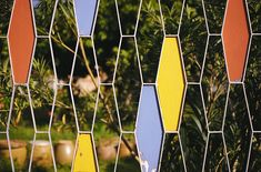 5 Enticing Tips: Outdoor Fence Privacy pallet fence with lights.Fence Gate Tips fence design outdoor.Fence Gate Tips. Mid Century Decor, Mid Century House, Mid Century Furniture, Modern Fence, Mid-century Modern, Modern Decor, Architecture Miami, Backyard Fences, Fence Art