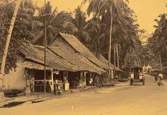 Pasir Panjang Village, photographed by Wee Theam Seng History Of Singapore, Singapore Photos, Singapore Public Transport, Photographs And Memories, Water Drawing, Village Girl, Vintage India, Kuala Lumpur, Old Photos