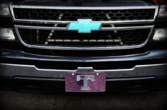Chalked Painted Chevy Bowtie... this is the paint I love.