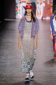 Fashion Week New York Spring/Summer 2017 look 31 from the Anna Sui collection womenswear Ss 2017, Anna Sui, Search Engine, Fashion Show, Kimono Top, Women Wear, Spring Summer, My Style, Model
