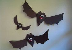 Lavoretti di Hallowen per bambini con la carta - Lavoretti di Halloween di carta: pipistrelli