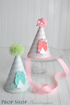 Owl Birthday Party Hat boy or girl photography by propshopboutique, $24.00 cheracole make cupcake this :):)
