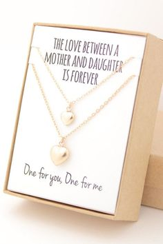 Super gifts for mom from daughter mothers heart 68 Ideas Mother Daughter Jewelry, Mom Daughter, Bride Gifts, Wedding Gifts, Selling Handmade Items, Mom Day, Jade Jewelry, Jewelry Companies, Jewelry Gifts