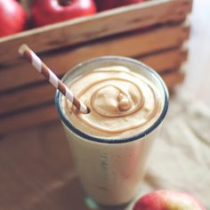 9 High-Protein Smoothies That Taste Like a Milkshake — Say goodbye to tasteless protein shakes! These healthy and delicious and delicious smoothies are jam-packed with workout-boosting protein. Juice Smoothie, Smoothie Drinks, Smoothie Recipes, Fruit Juice, Juice Recipes, Milkshake Recipes, Yogurt Recipes, High Protein Smoothies, Protein Shake Recipes