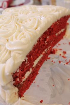 Do you want the best red velvet cake? This red velvet cake recipe is moist and fluffy with a homemade cream cheese frosting. Check out the video for directions! Easy Red Velvet Cake, Bolo Red Velvet, Just Desserts, Delicious Desserts, Yummy Food, Food Cakes, Cupcake Cakes, I Heart Recipes, Cake Recipes