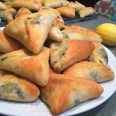 PiX FiZ: Lebanese Spinach Pies (Fatayir)suggestion: you can add sumac instead of lemon to get that tarty touch and your filling will not that wet. Armenian Recipes, Lebanese Recipes, Greek Recipes, Vegan Recipes, Cooking Recipes, Lebanese Spinach Pies Recipe, Lebanese Cuisine, Lebanese Meat Pies, Vegetarian Recipes