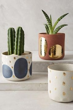 for your friday getting ready for my weekend projects and lots of gardening. sharing my favorite garden pot and planter finds today on — what would you want to plant in them?