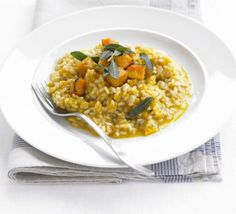 Butternut squash and sage risotto. Roast squash with garlic and chilli, use chicken stock. Maybe add chopped leek and bacon? Bbc Good Food Recipes, Veggie Recipes, Vegetarian Recipes, Cooking Recipes, Healthy Recipes, Risotto Recipes, Butternut Squash Risotto, Spaghetti, Health Desserts
