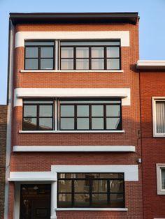 Ramen en deuren plaatst u best met pvc ramen.Ook voor uw deuren kiest u best voor PVC deuren.Deze ramen en deuren zorgen voor de beste isolatiewaarde - http://www.ramenvelle.be/