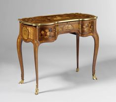 Louis XV Transition XVI period table a écrire et de toilet (writing table and toilet table) by Jean François Oeben, ca. 1768