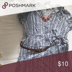 Forever 21 Tunic Soft, light super trendy tunic! Fun Aztec pattern and comes with a belt! The belt is a little bit scratched, but not super noticeable. It's also really cute without the belt! Forever 21 Tops