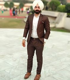 Gur Mens Fashion Suits, Mens Suits, Men's Fashion, Fashion Outfits, Punjabi Boys, Turban Style, Mens Attire, Mens Clothing Styles, Dress Up
