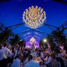 Creating luxury with our crystal chandeliers. Event: Wise_productions. Image: Noahtwobytwo. Chandeliers: Showlight.es  #wedding2017 #marquee #weddingluxury #cenadegala #carpa #decoracaodefesta #decoracaodeeventos #luxuryevents #luxuryevent #eventdesign #eventplanning #eventdecoration #eventosdeluxo #destinationwedding #weddingabroad #lustres #luxurywedding#chandeliers#weddingchandelier #weddingsetup #weddingdecor #bodas2018 #bodas #weddingdecor #bodadelujo #eventodelujo #bodas…