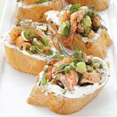 Smoked Salmon Crostini ~ You can prepare the salmon topping for these party canapés earlier in the day and keep it refrigerated until ready to assemble. You'll need gluten-free baguette slices for the base. Gluten Free Appetizers, Gluten Free Snacks, Appetizer Recipes, Healthy Appetizers, Healthy Snacks, Snack Recipes, Vol Au Vent, Salmon Toppings, Sandwiches
