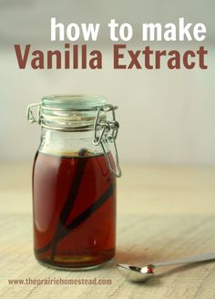 How to Make Homemade Vanilla Extract-- I'm never buying vanilla from the store again! #homemade