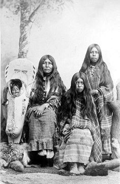 Native American Photographs - Gallery I Page 28 Native American Photos, Native American Women, American Indian Art, Native American History, Native American Indians, American Symbols, Eskimo, Native Indian, First Nations