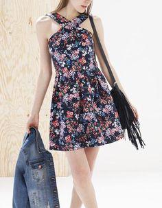 Vestido decote cruzado flores #dress #women #covetme