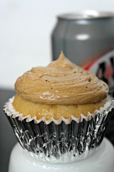 Root Beer Float Cupcake Recipe- will figure out how to make these so I can eat them