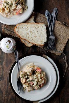 Slow Cooker Creamy Chicken Pasta | www.diethood.com | #chicken #pasta #chickenrecipes #recipe #slowcooker