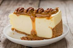 Salted caramel cheesecake Today I present the legendary Ch .- Cheesecake al ca. Pecan Cheesecake, Salted Caramel Cheesecake, Key Lime Cheesecake, Caramel Pecan, Cheesecake Recipes, Dessert Sauces, Köstliche Desserts, Delicious Desserts, Desserts Thermomix