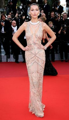 Bella Hadid, vestido calda sereia