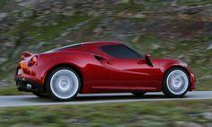 Alfa Romeo 4C photos and gallery