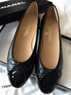 2823e4f62d4202 Chanel classic ballet flats never worn Chanel classic ballet flats in black  leather patent toe