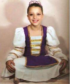 Aninha pronta para apresentação de final de ano (2011) da Academia de Ballet.