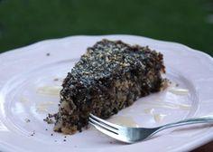 Sypaný makovo - orechový koláč s jablkami - recept
