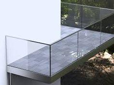 Ähnliches Foto Glass Balcony Railing, Balcony Grill, Balcony Railing Design, Stair Railing, Staircase Design, Railings, Interior Balcony, Hall Interior, Balustrades