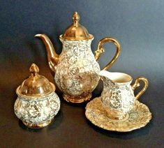 White And Gold Bareuther Bavria Tea Set - Teapot Sugar And Creamer - Germany Tea Cup Saucer, Tea Cups, Tea Pot Set, Tea Strainer, Coffee Set, Chocolate Pots, China Porcelain, Tea Time, Tea Party