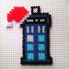 Christmas Tardis - Doctor Who hama beads by hadavedre