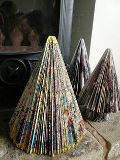 Step-by-step instructions for making a Christmas Tree from a book - easy to follow. Totally doing this for next Christmas!