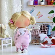 Doll Crafts, Cute Crafts, Diy And Crafts, Clay Ornaments, Ornaments Design, Yarn Dolls, Fabric Dolls, Doll Shoe Patterns, Tiny Dolls