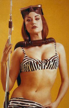 Bellezze al bagno   Bond girls, Soloing and Cinema