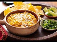 Für diesen ganz einfach zuzubereitenden Dip haben wir uns von einem der beliebtesten Straßenimbisse Mexikos inspirieren lassen: Elotes oder gegrillten Maiskolben. Dieser Dip ist so lecker, dass sich Ihre Gäste beim nächsten Spieleabend darauf stürzen werden!