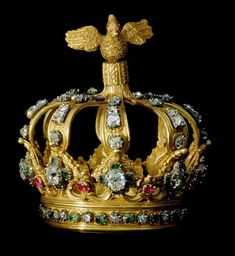 image Crown made of Gold, silver, rubis, emeralds and brilliants. 18th century.  Royal Palace of Ajuda, Portugal.