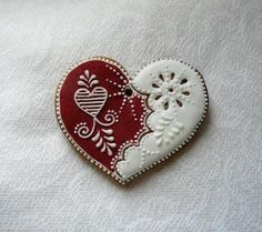 Gingerbread hearts red and white