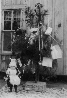 Vintage Christmas - great black and white photo