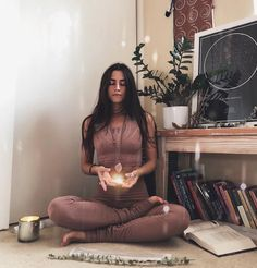 @michelleweinhofen in the #AloYoga Lark Crop Top #yoga #inspiration