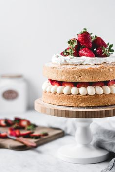 Victoria sponge cake is one of those traditional bakes that everyone's going to love. Fluffy vanilla cake filled with diplomat cream and fresh strawberries! Classic Victoria Sponge, Victoria Sponge Cake, Food Cakes, Cupcake Cakes, Cupcakes, Delicious Desserts, Dessert Recipes, Sponge Cake Recipes, Gateaux Cake