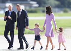 The Cambridges en masse! William, Kate, George and Charlotte took a peek inside the helico...