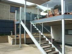glass-balustrade-external-stairs.preview.jpg 640×480 pixels