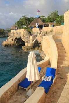 A sea-side resort in Jamaica: Visit transatlantic.travel or contact Eileen Schlichting to learn more! #vacation #beach #ocean