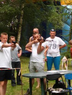 Proponujemy  turniej strzelecki, który możemy zorganizować podczas Waszej firmowej imprezy integracyjnej. Każdy będzie miał możliwość sprawdzenia się również na innych stanowiskach strzeleckich – łuk czy paintball. Wyłonimy najbardziej wszechstronnego strzelca. Wiatrówkę, podobnie jak inne stanowiska strzeleckie, polecamy podczas wszelkich festynów, pikników czy integracyjnych imprez plenerowych.