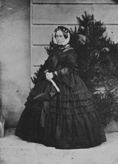 Queen Victoria Family, Queen Victoria Prince Albert, The Half Sisters, Carl Friedrich, Sister Photos, Historical Clothing, Historical Women, Historical Dress, Historical Costume