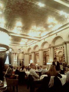 O que tem um prato de cuscuz a ver com David Gandy no Criterion Restaurant em Londres?