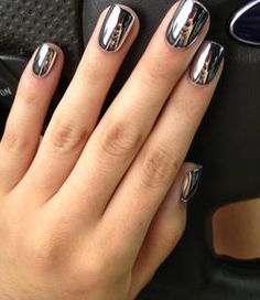 love love love Metallic Nails, Silver Nails, Dark Nails, Silver Rings, Mirror Effect, Snowflake Nails, Chrome Nails, Chrome Nail Polish, Wedding Nails Design
