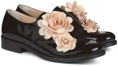 Black Patent Flower Derby Brogues by Pokemaoke Black Brogues, Black Patent Leather Shoes, Black Flats Shoes, Leather Flats, Suede Shoes, Flower Shoes, Fashion Shoes, Derby, Oxford Flats